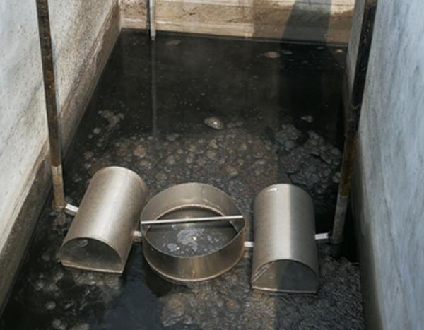 浮筒滗水器